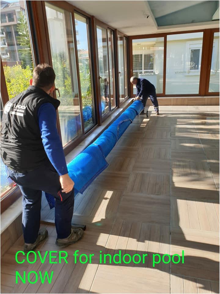 Bir çok tartışmadan sonra kapalı havuzun yıpranmış plastik örtüsünü ücretsiz olarak değiştirmeyi başardık.