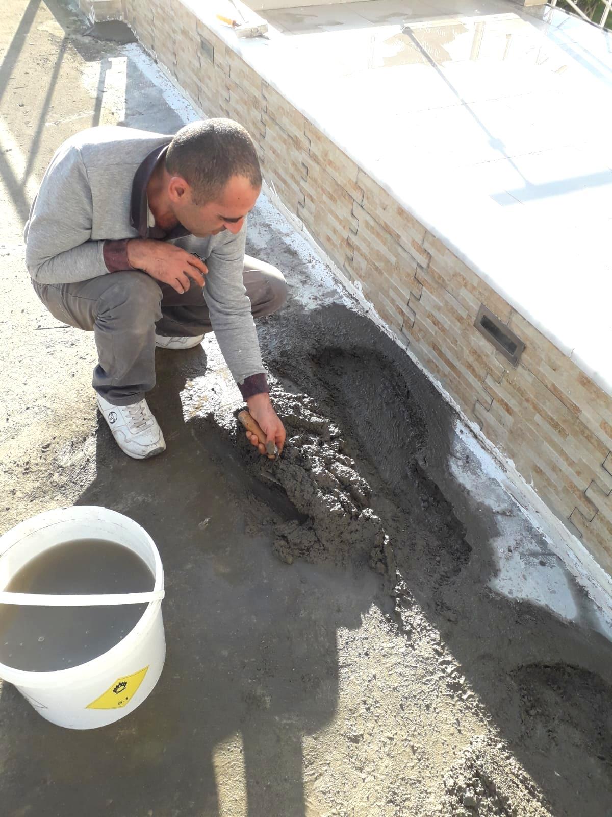 Çatı onarımı sosyal alanın üzerinde yapıldı